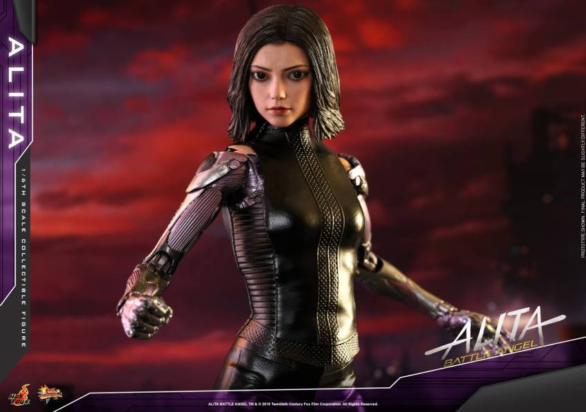 The new Hot Toys Alita: Battle Angel figure can see right into your soul 38