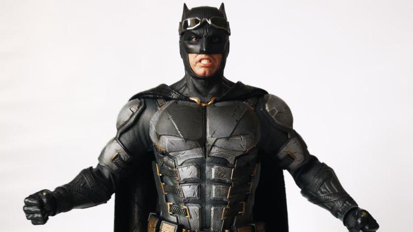 Hot Toys MMS 432 Justice League Batman Tactical Batsuit Review – Bat in Black 43