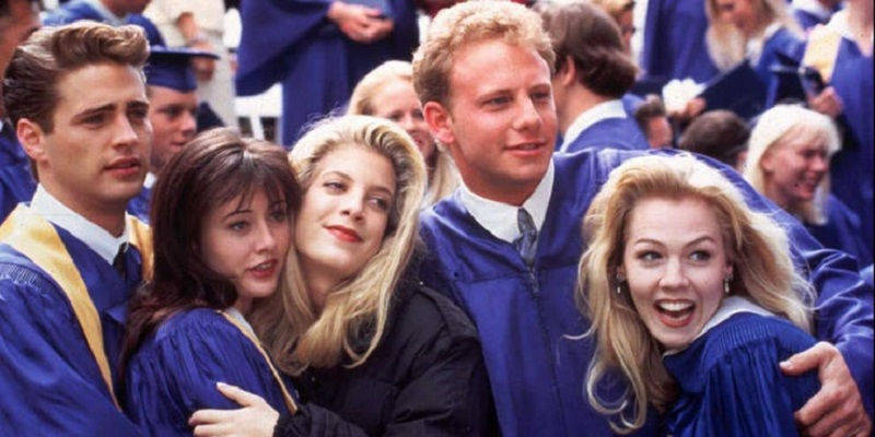 Beverly Hills, 90210 to get revived with original cast... but with a meta twist 4
