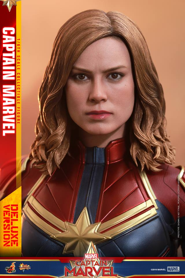 Hot Toys Goose the Cat even comes with a Captain Marvel accessory 33