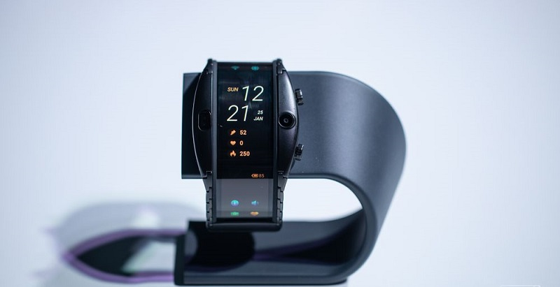 Forget the smartwatch, wear a bendable phone instead 4