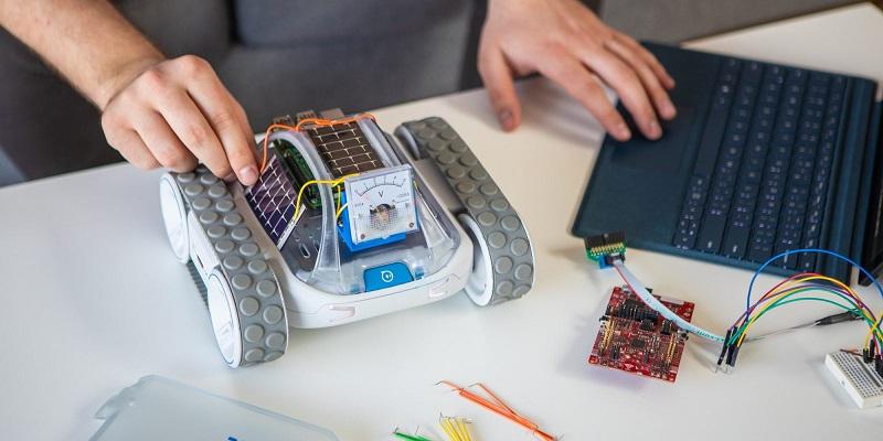 Sphero crowdfunding their next robot idea, the RVR 4
