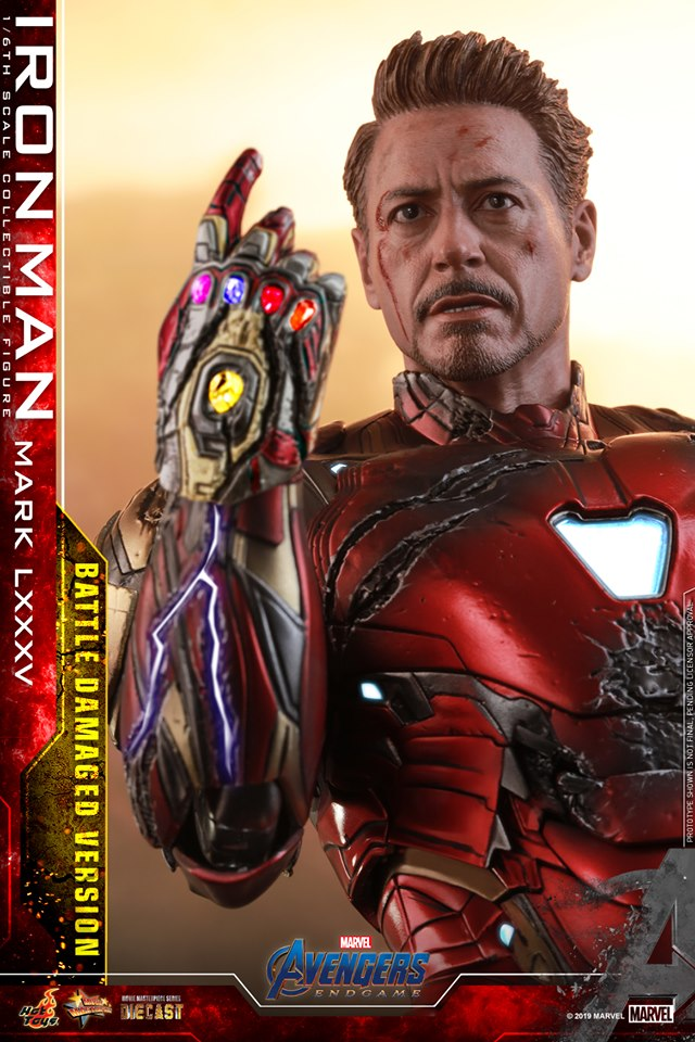 Relive (and cry about!) the best scene in Avengers: Endgame with this new Hot Toys Iron Man figure 22