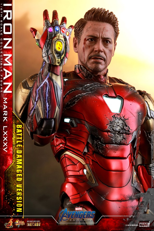 Relive (and cry about!) the best scene in Avengers: Endgame with this new Hot Toys Iron Man figure 32