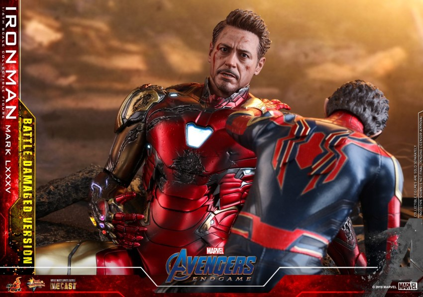 Relive (and cry about!) the best scene in Avengers: Endgame with this new Hot Toys Iron Man figure 39