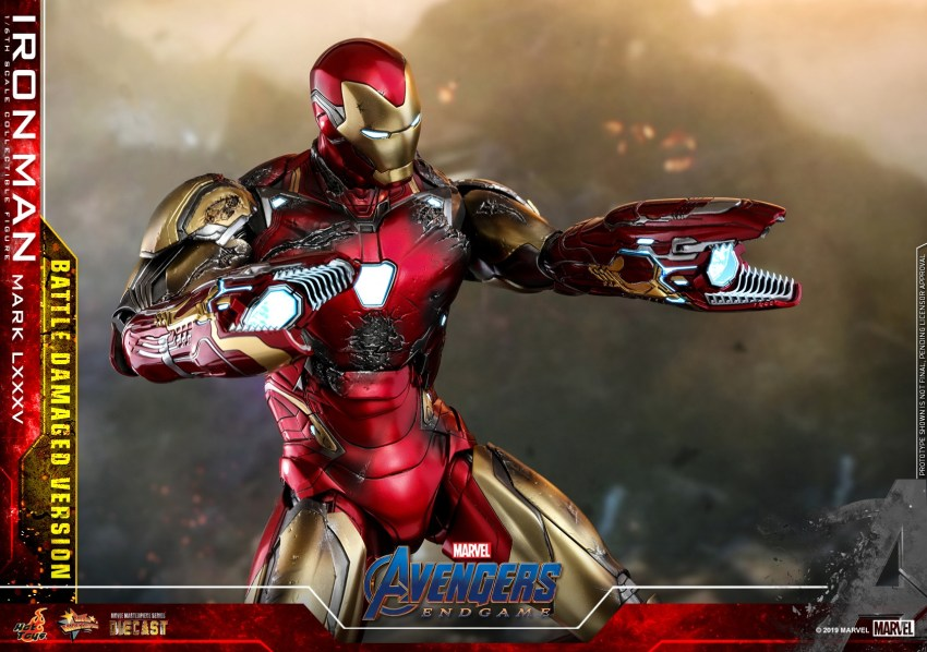 Relive (and cry about!) the best scene in Avengers: Endgame with this new Hot Toys Iron Man figure 23