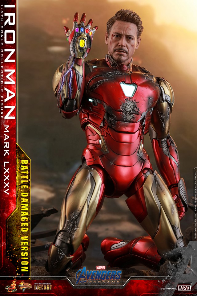 Relive (and cry about!) the best scene in Avengers: Endgame with this new Hot Toys Iron Man figure 29