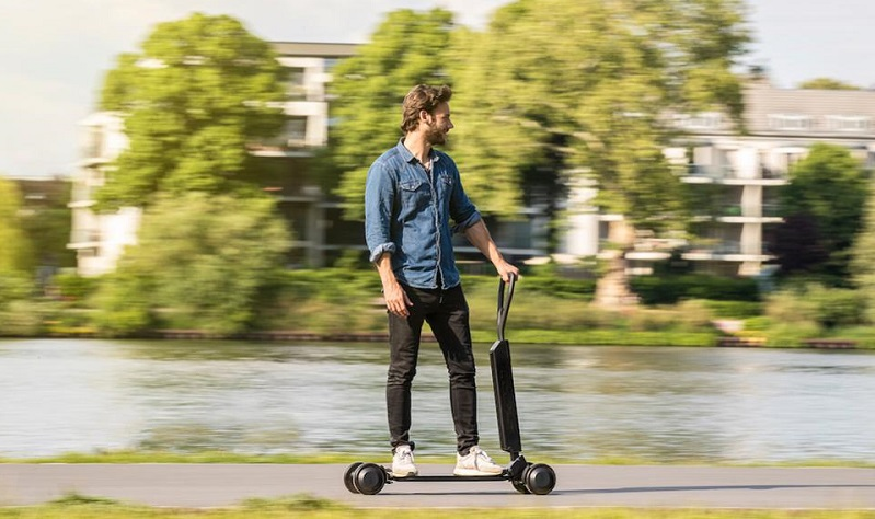 Audi wants to combine skateboards and scooters with their new E-tron scooter 4