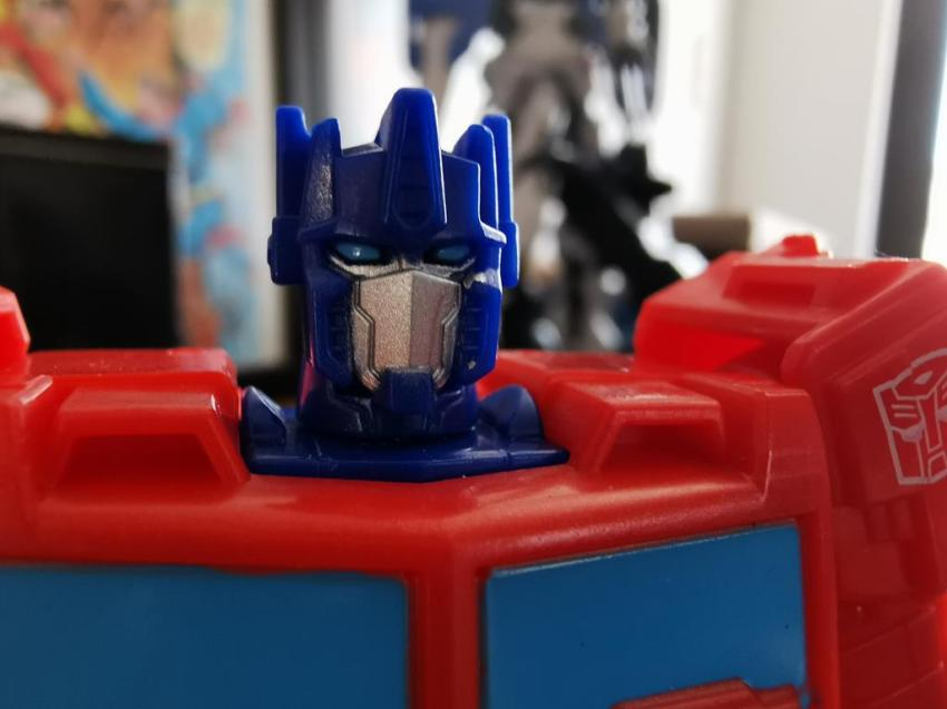 Transformers Cyberverse Spark Armour Optimus Prime Review 20