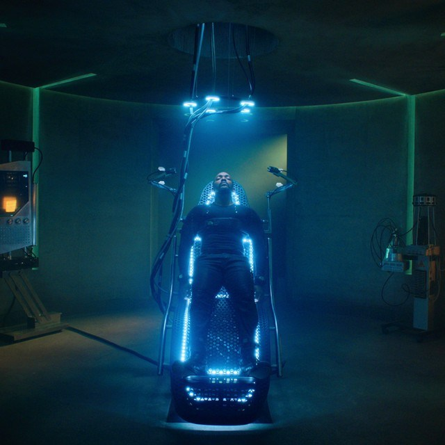 New Altered Carbon S2 teaser introduces Anthony Mackie as Takeshi Kovacs 6