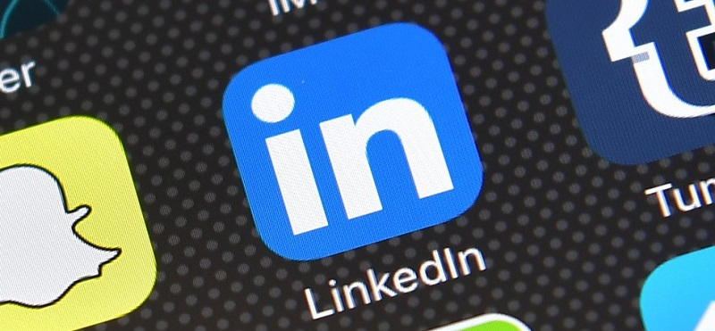 LinkedIn to test new Snapchat-like stories feature 3