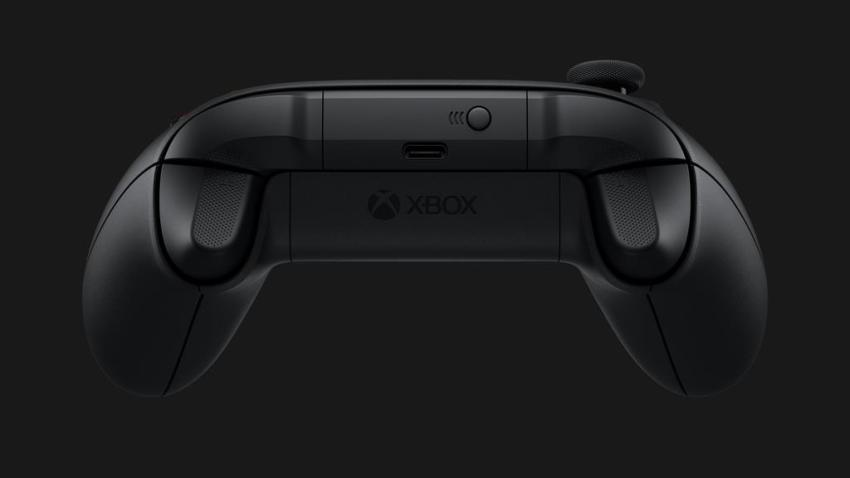 The Xbox Series X controller still has AA battery support because fans demanded it 6
