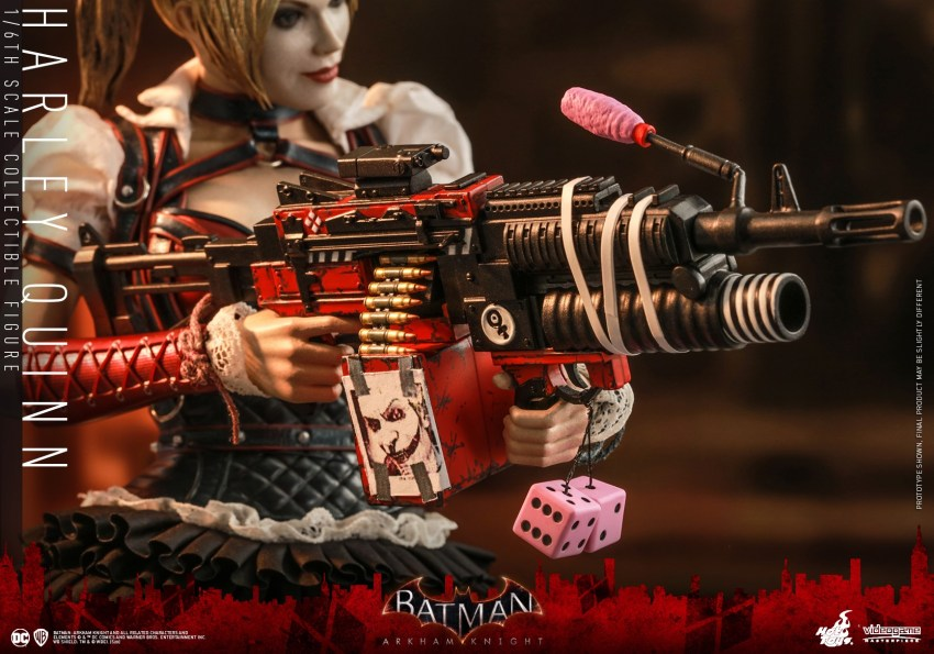 Hot Toys Harley Quinn is ready to paint the town red 34