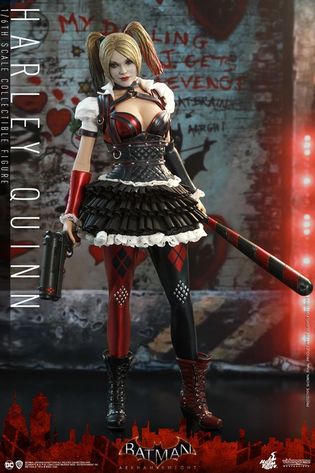 Hot Toys Harley Quinn is ready to paint the town red 20