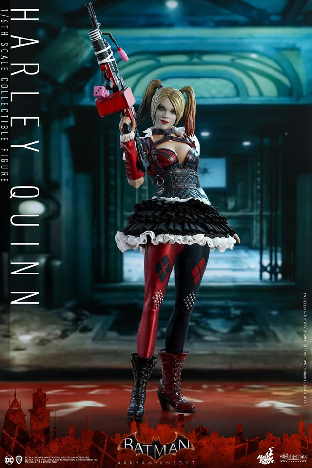 Hot Toys Harley Quinn is ready to paint the town red 24