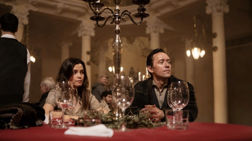 Enjoy the theatre in Netflix's Norwegian horror feature Cadaver 2
