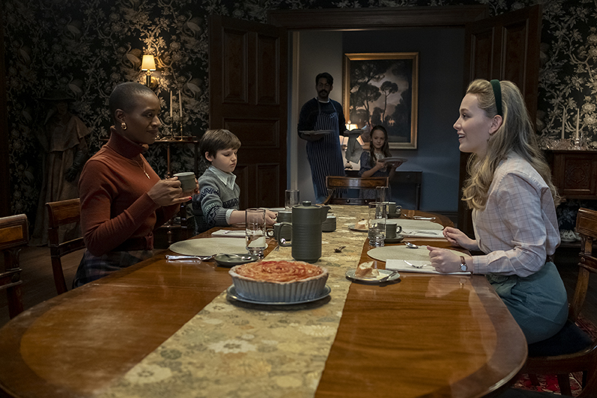 The Haunting of Bly Manor review - a perfectly splendid ghost story 9