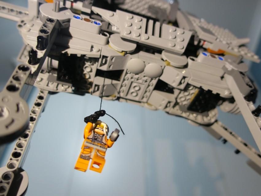 Lego Star Wars AT-AT Walker review - Hoth damn! 28