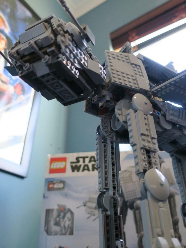 Lego Star Wars AT-AT Walker review - Hoth damn! 27