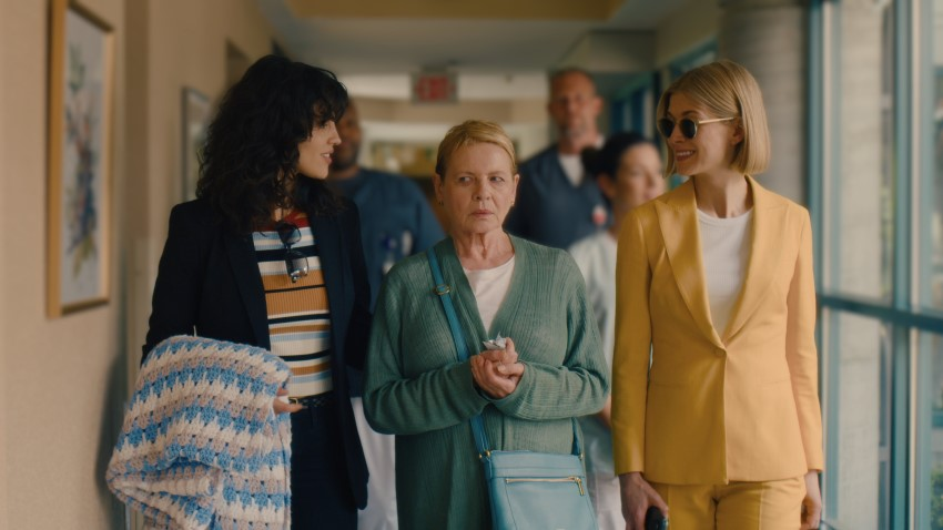 Rosamund Pike's help comes at a price in Netflix's darkly comedic crime thriller I Care a Lot 3