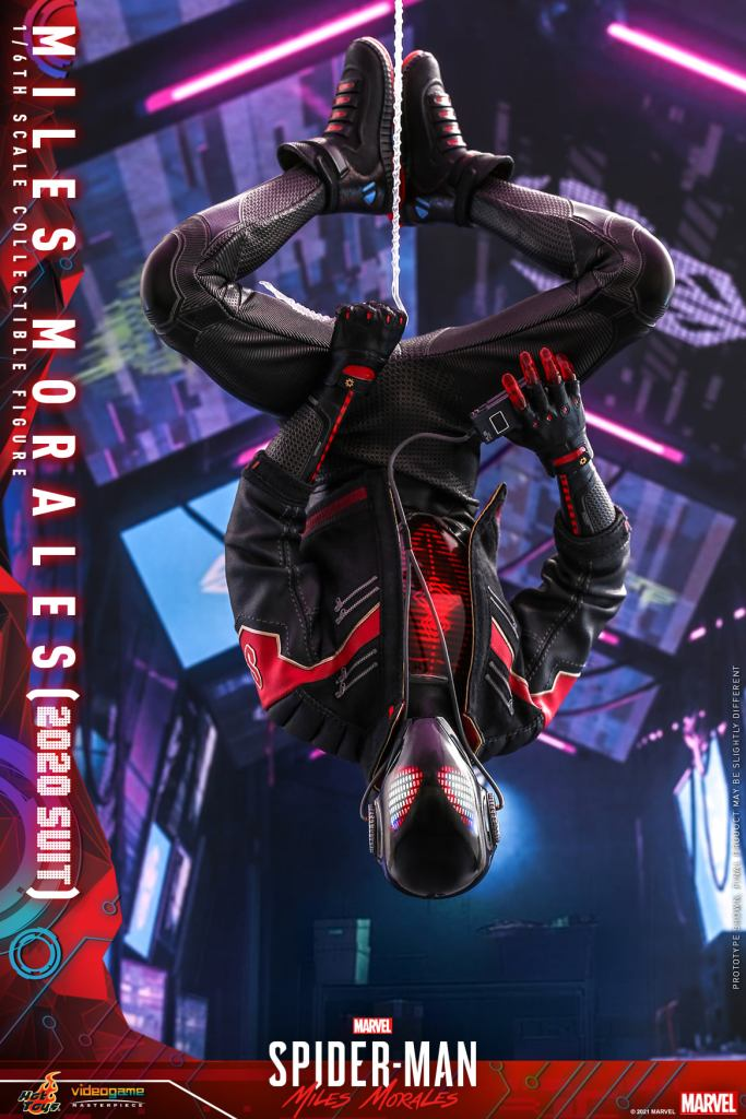 Hot Toys Daft Punk Spider-Man is packing webs and LEDs 33