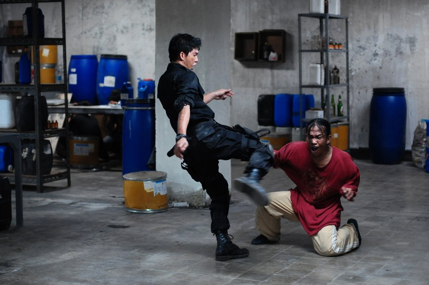 Joe Carnahan and Frank Grillo explain how their remake of The Raid will be different 8