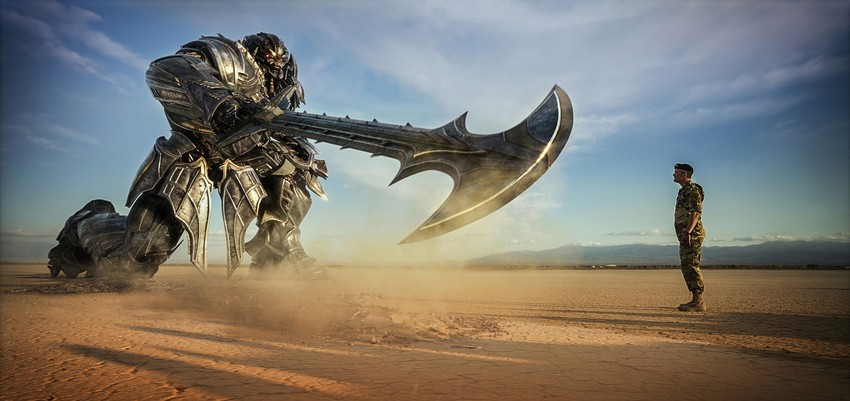 Critical Hit Collective Review - Transformers: The Last Knight 9
