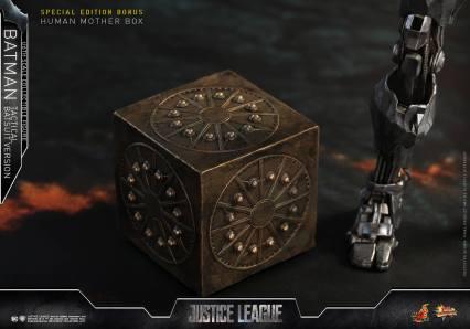 JL Tatctical Batman (3)