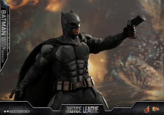 JL Tatctical Batman (8)