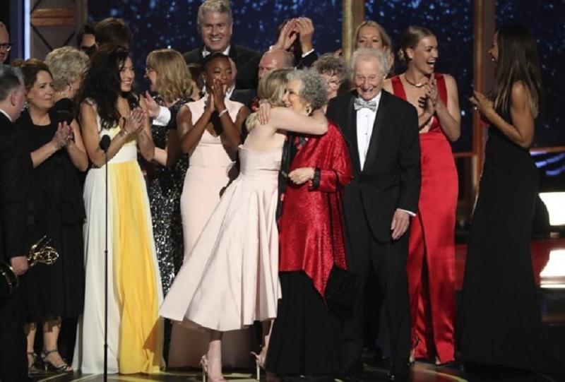 All the 2017 Emmy Award winners 9