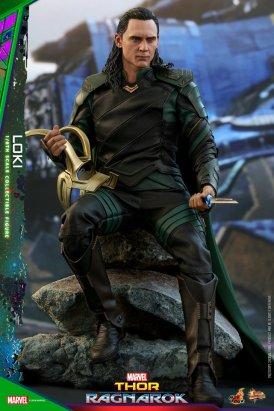 Hot Toys Loki (15)