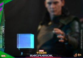 Hot Toys Loki (24)