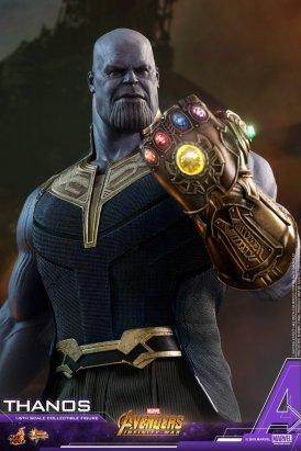 Hot Toys Thanos (2)