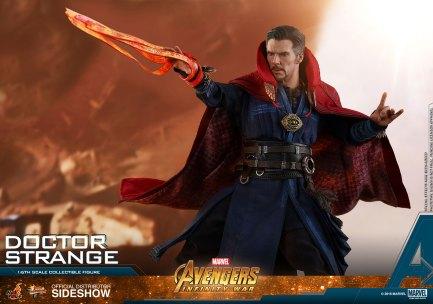 Hot Toys Doctor Strange (12)