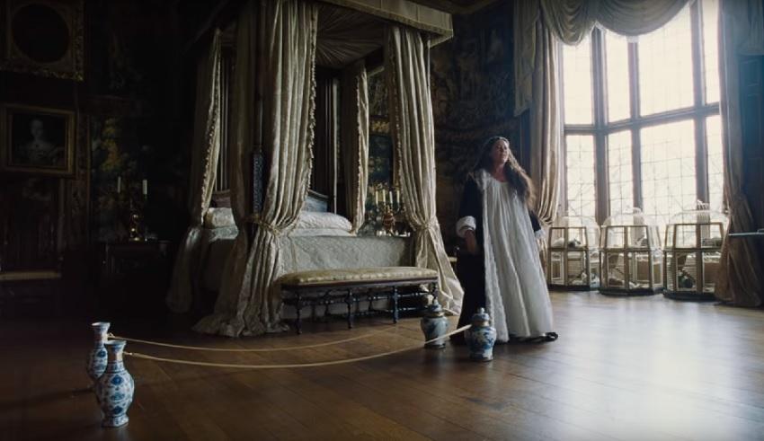Trailer: Rachel Weisz, Emma Stone, and Olivia Colman in the eccentric period piece The Favourite 3
