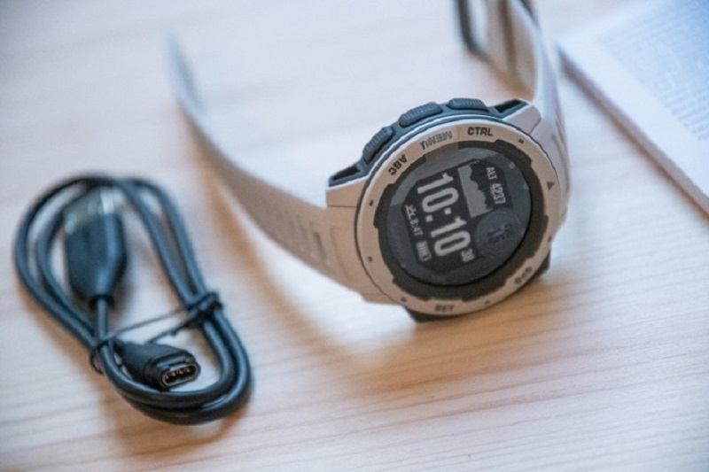 Garmin introduces the Instinct - a Fitness watch designed for more rugged outdoor activities 4