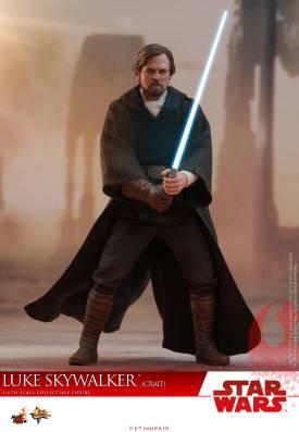 Hot Toys Luke Skywalker Crait (4)