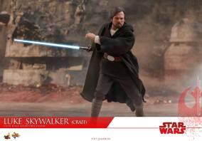 Hot Toys Luke Skywalker Crait (6)