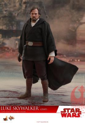 Hot Toys Luke Skywalker Crait (8)