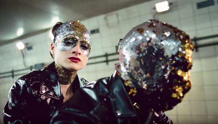 Natalie Portman is a destructive pop star in the dazzling trailer for Vox Lux 4