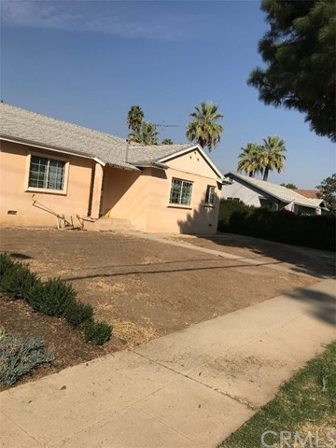 15843 San Fernando Mission Bvd, GRanada Hills, CA 91344 is a single family home built in 1956