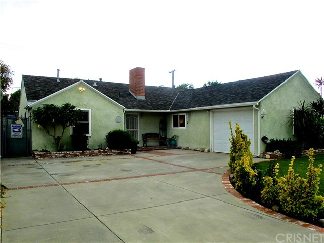 THIS IS A MUST SEE FOR YOUR CLIENTS. Come and see this very well maintained home in a great central  San Fernando Valley location. The kitchen was completely remodeled in the spring of 2018, new cabinets with pullouts and soft close doors. Other features upgraded: stainless steel cook top, oven, dishwasher, microwave and refrigerator. Other features include: LED can lights throughout, interior doors and jambs, newer carpeting, mirror closet doors in the master bedroom and dual pane windows. Other features: rain gutters,  copper plumbing and the sewer line has been replaced.