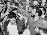 15 de abril. Arriba el Comandante en Jefe Fidel Castro al aeropuerto Internacional de Washington. Recibido por Roy R. Rubotton, subsecretario de Estado y una numerosa multitud de personas. Foto: Revolución.