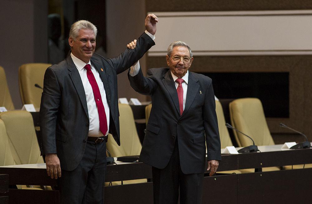 Elegido Miguel Díaz-Canel presidente del Consejo de Estado y del Consejo de Ministros. Foto: Irene Pérez/ Cubadebate.