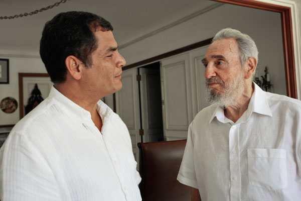 Fidel junto al Presidente Rafael Correa, en La Habana. (Foto: Alex Castro)