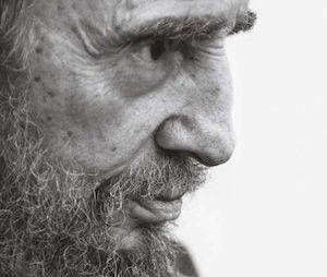 Fidel Castro-le-héros-of-the-déshéritée-580x871