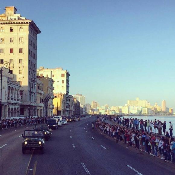 Urna fúnebre recorre La Habana. Foto: Ladyrene Pérez/ Cubadebate.