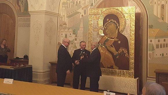 El Embajador cubano agradeció, a nombre de todo el pueblo y el gobierno cubanos, la decisión del Instituto. Foto: Embajada de Cuba en Rusia.