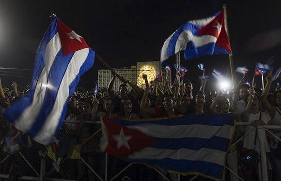 Tributo a Fidel en la Plaza de la Revolución. Foto: Ladyrene Pérez/ Cubadebate.