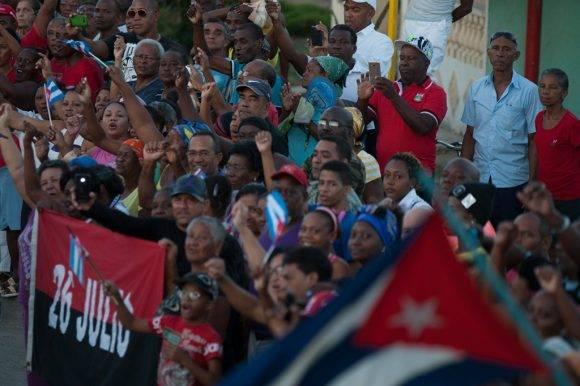 Caravana hasta el Cementerio Santa Ifigenia. Foto: Fernando Medina/Cubahora